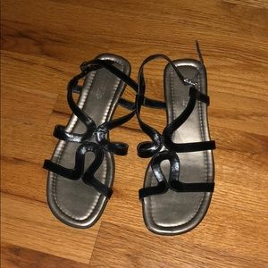 Women's black strapped sandals